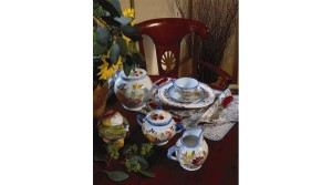 Home-Life-Quimper-Faience-tablesetting-960x500